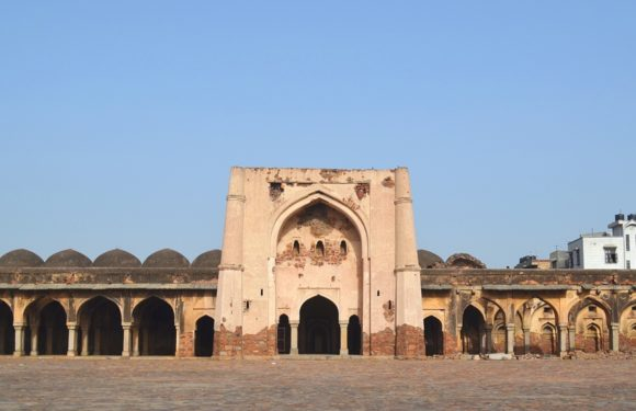 Begumpur Mosque/Masjid, Oldest and Strongest Mosque of Delhi
