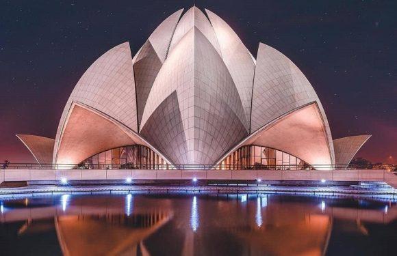 Lotus Temple / Bahai Temple Delhi – Timings & History