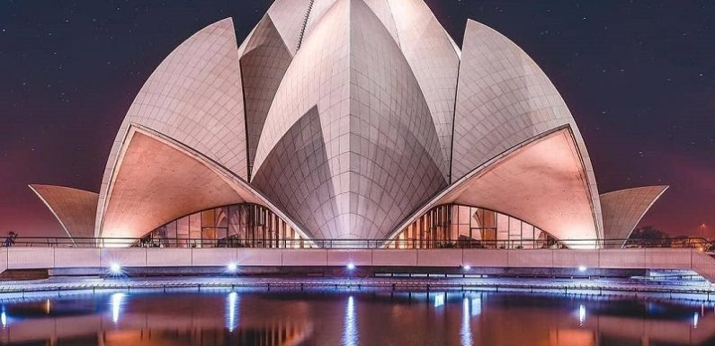 Lotus Temple / Bahai Temple Delhi – Timings & History