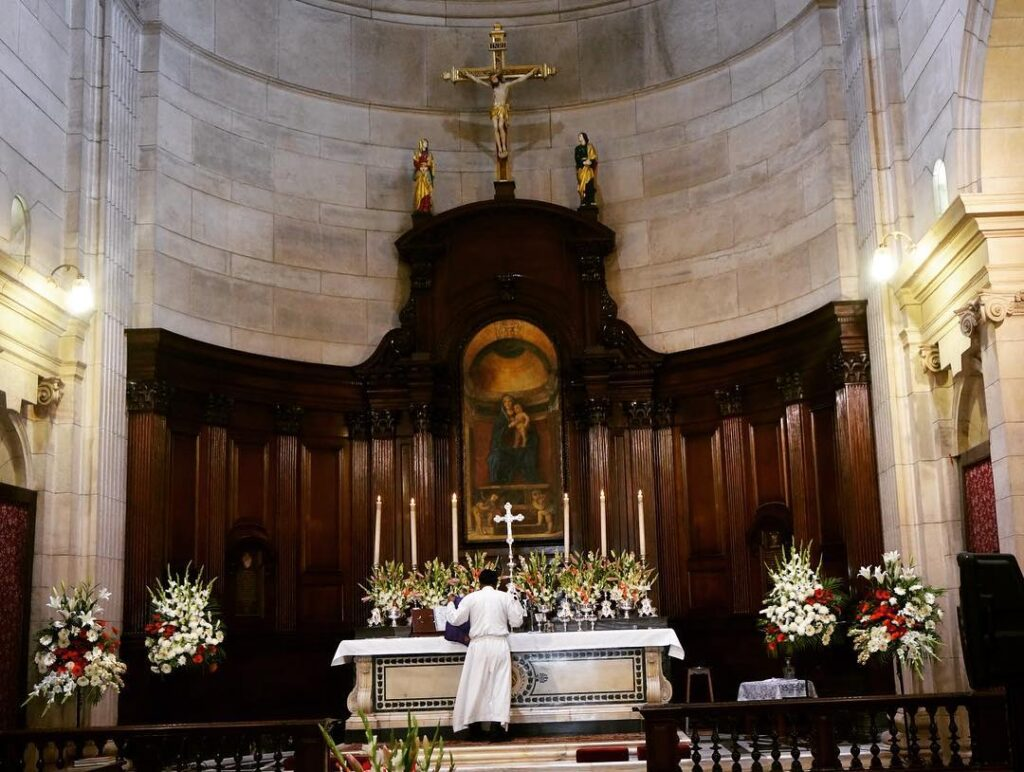 Cathedral-Church-of-the-Redemption-Delhi-christmas