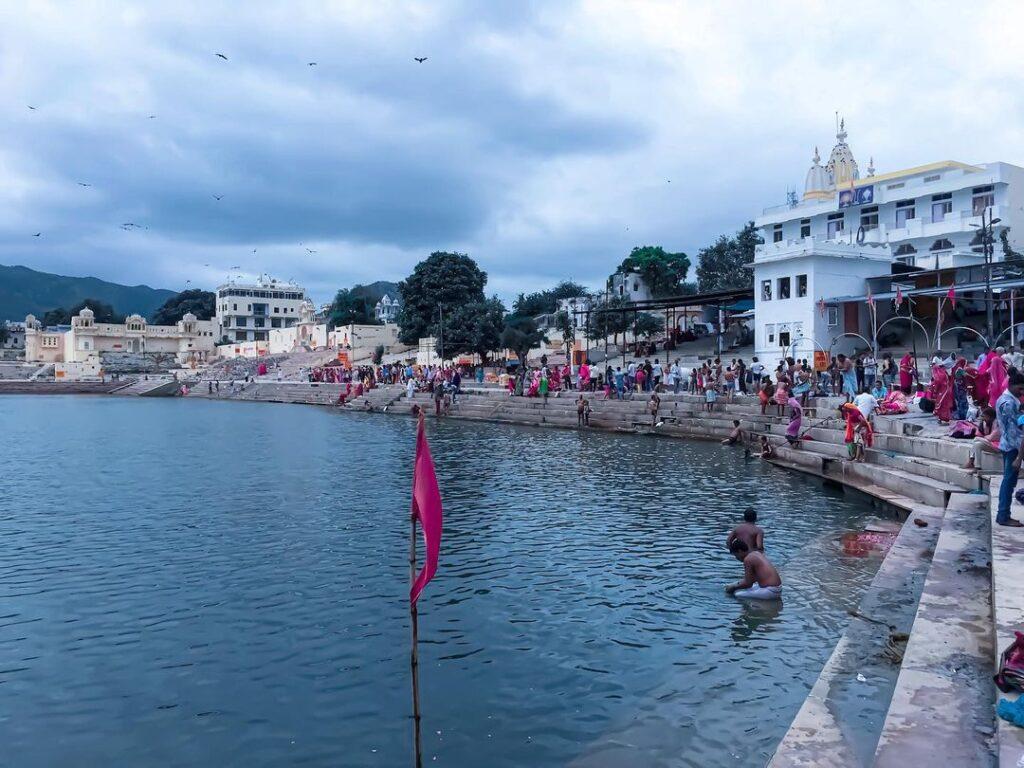 Brahma-Ghat-Pushkar-lake