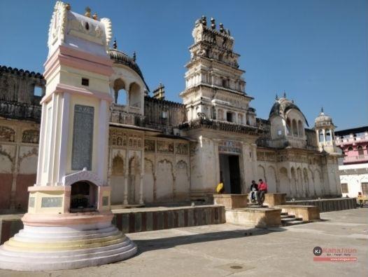 Rangji-Temple-Pushkar-Rajasthan-Architecture