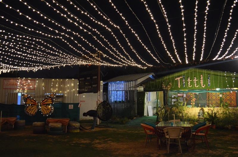 Tittli-Cafe-Sector-59-Gurugram-ambience-Kahajaun