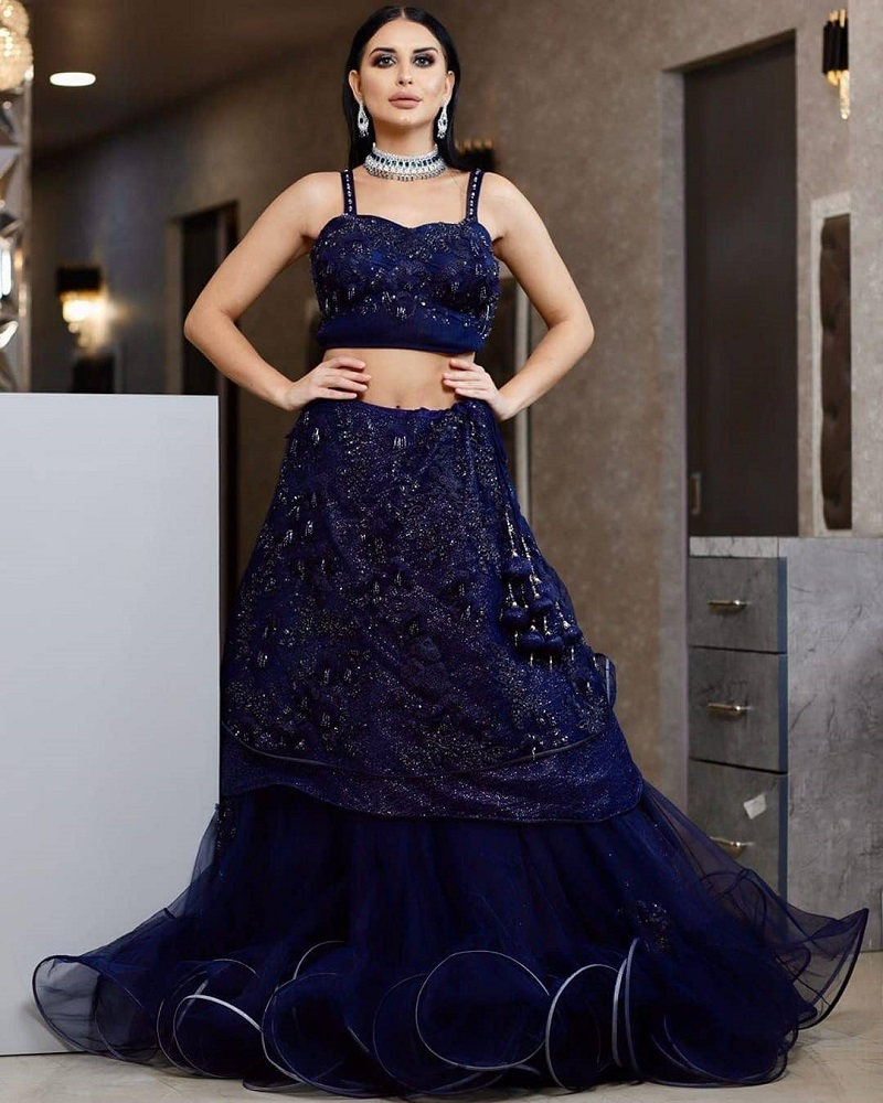 Kundans-Bridal-Couture-dress-Chandni-Chowk-Old-Delhi